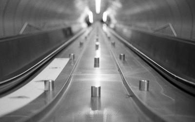 Métro de Montréal,Projet photo argentique, Canon FT QL, objectif Canon FL 50mm f/1.4, film Ilford HP5 iso 400 noir et blanc , photo: http://www.alexandrebedard.com
