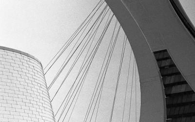 Stade et planétarium de Montréal, Projet photo argentique, Nikon F2, objectif Nikkor 85mm f/1.8, film TRI-X 400 noir et blanc , photo: http://www.alexandrebedard.com
